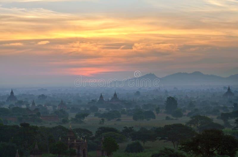 Puesta del sol de Bagan, Myanmar imágenes de archivo libres de regalías