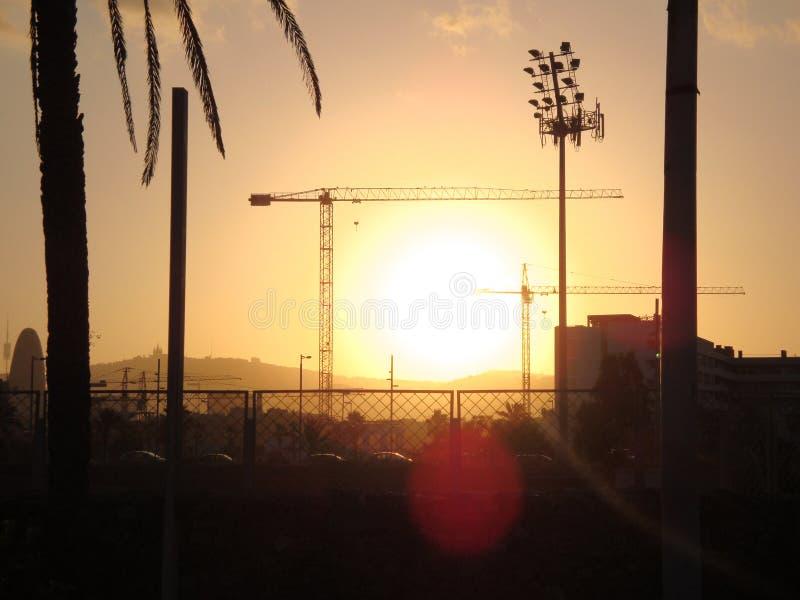 Puesta del sol de Barcelona imagenes de archivo