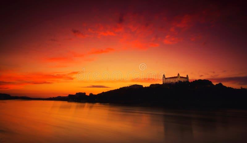 Puesta del sol de Bratislava fotografía de archivo