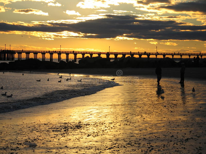 Puesta del sol de Brighton Beach imagen de archivo