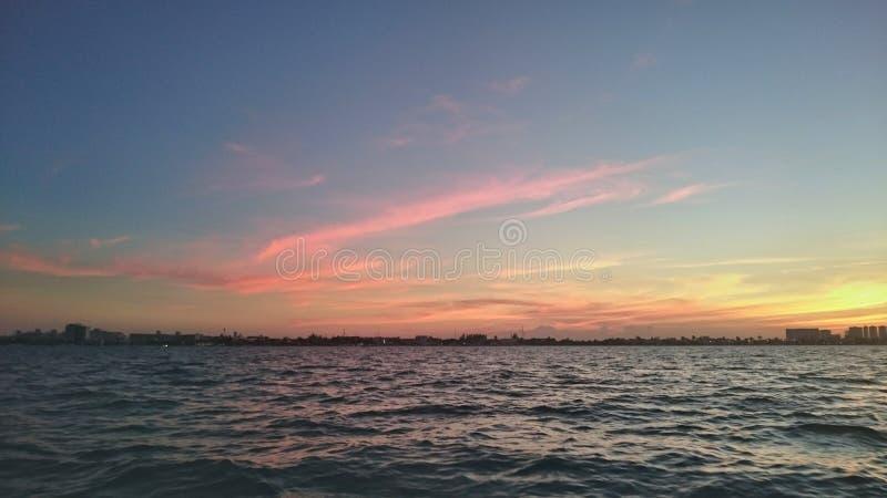 Puesta del sol de Cancun imágenes de archivo libres de regalías