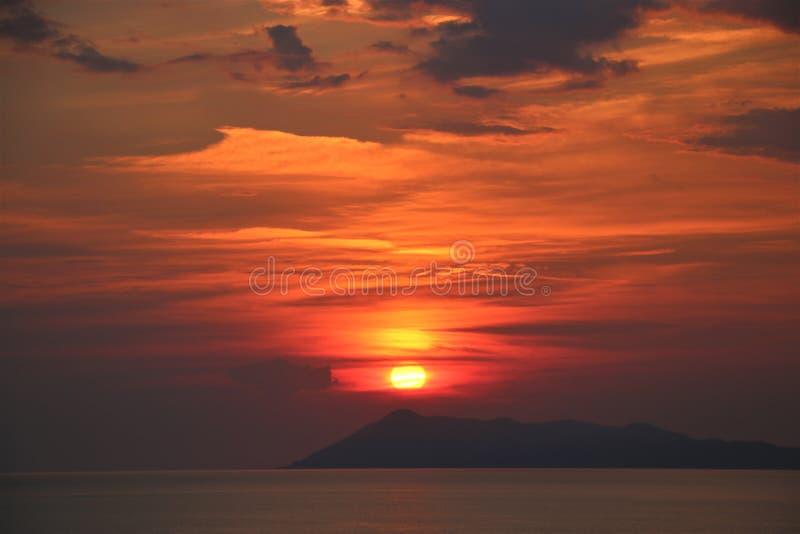 Puesta del sol de Corfú imagen de archivo libre de regalías