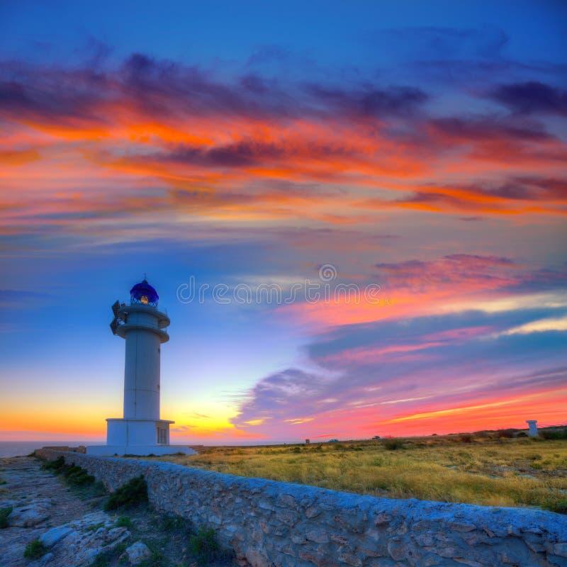 Puesta del sol de Formentera del faro del cabo de Barbaria Berberia foto de archivo