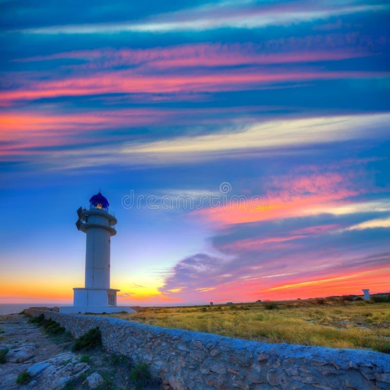 Puesta del sol de Formentera del faro del cabo de Barbaria Berberia imagenes de archivo