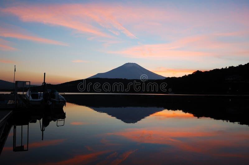 Puesta del sol de Fuji del montaje imagen de archivo libre de regalías