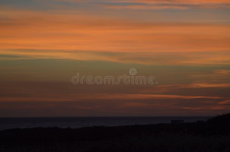 Puesta del sol de julio fotografía de archivo libre de regalías