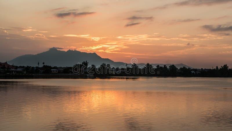 Puesta del sol de Kuching imagen de archivo