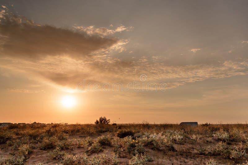 Puesta del sol de la belleza en Crimea fotografía de archivo