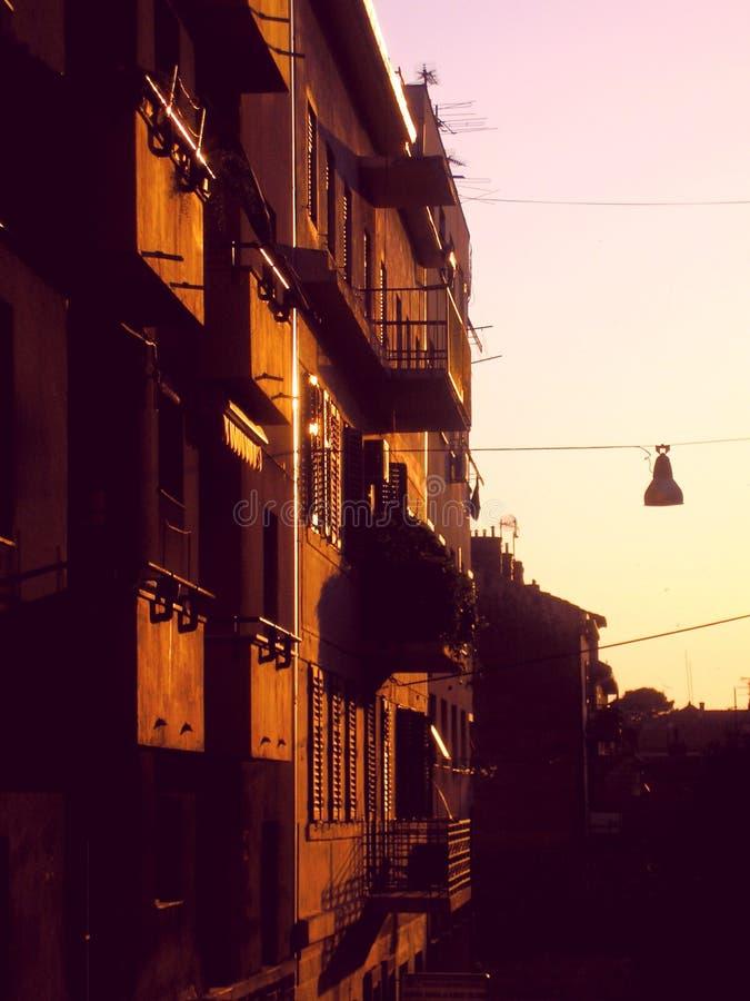 Puesta del sol de la calle imagenes de archivo