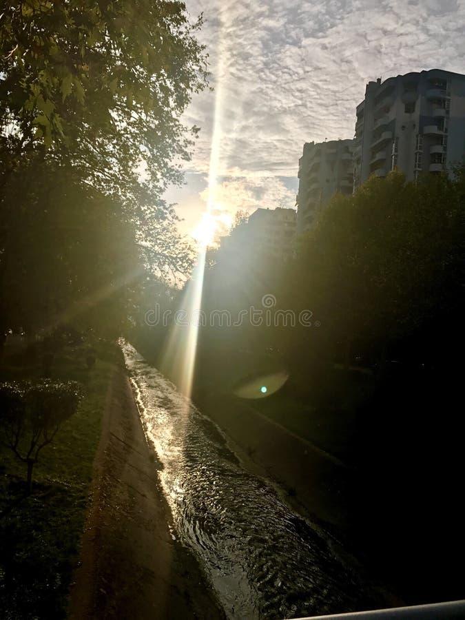 Puesta del sol de la ciudad foto de archivo libre de regalías
