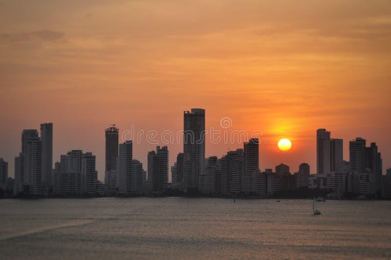 Puesta del sol de la ciudad de Cartagena, Colombia fotos de archivo