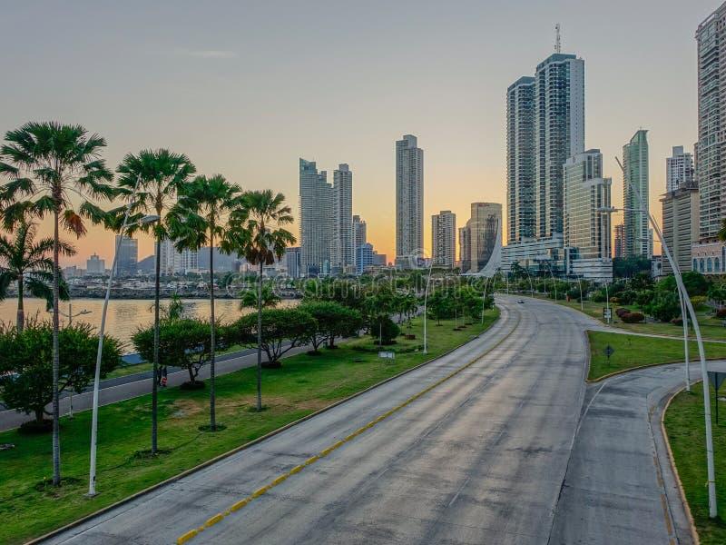 Puesta del sol de la ciudad de Panamá imagen de archivo libre de regalías