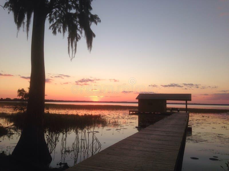 Puesta del sol de la Florida que sorprende fotografía de archivo libre de regalías