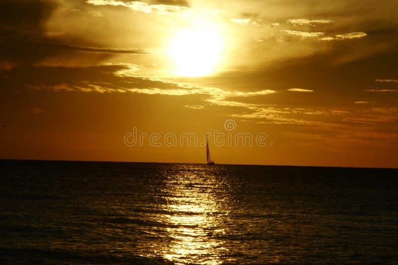 Puesta del sol de la navegación imagenes de archivo