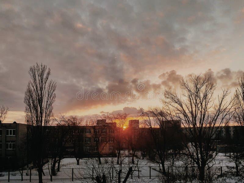 Puesta del sol de la nieve fotografía de archivo libre de regalías