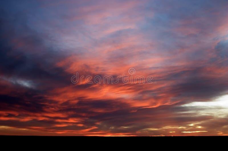 Puesta del sol de la pradera imagen de archivo