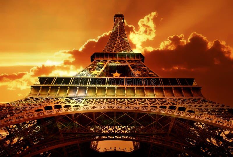 Puesta del sol de la torre Eiffel imágenes de archivo libres de regalías