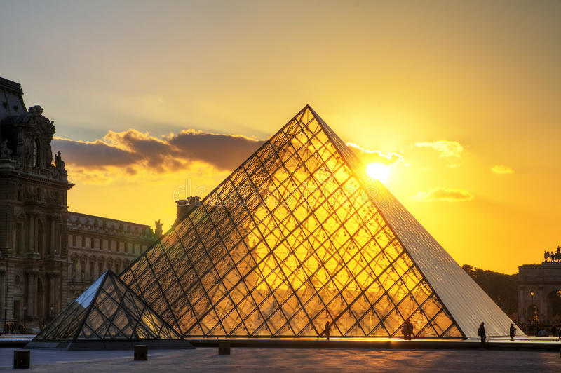 Puesta del sol de las pirámides imágenes de archivo libres de regalías