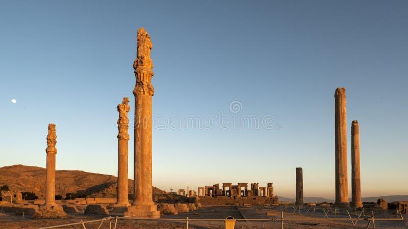 Puesta del sol de las ruinas de Persepolis, Shiraz Iran foto de archivo libre de regalías