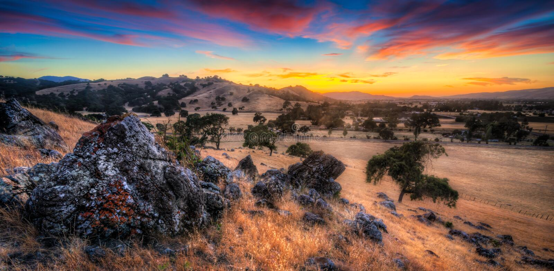 Puesta del sol de Morgan Hill California foto de archivo libre de regalías