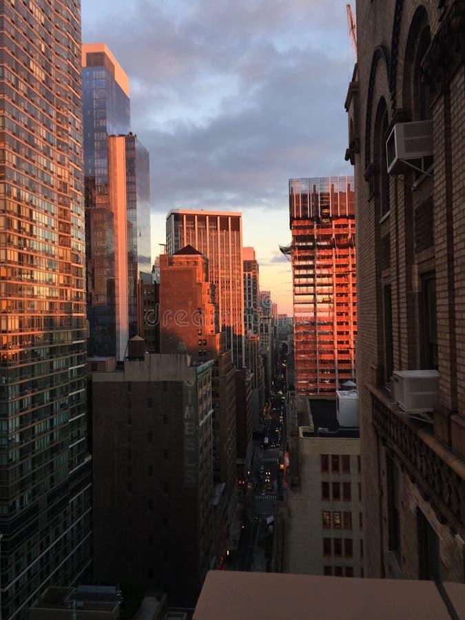 Puesta del sol de NY imagen de archivo