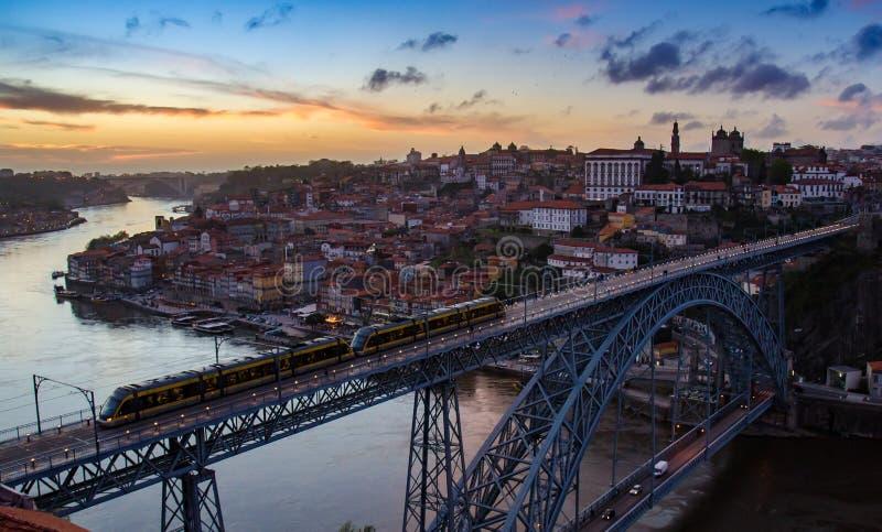 Puesta del sol de Oporto fotos de archivo