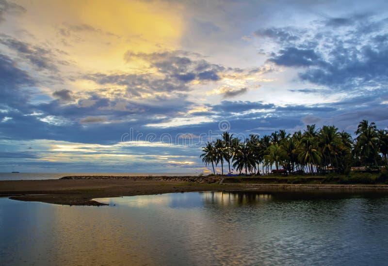 Puesta del sol de Padang fotos de archivo