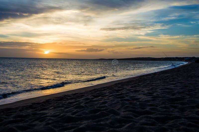 Puesta del sol de Punta del Este uruguay foto de archivo