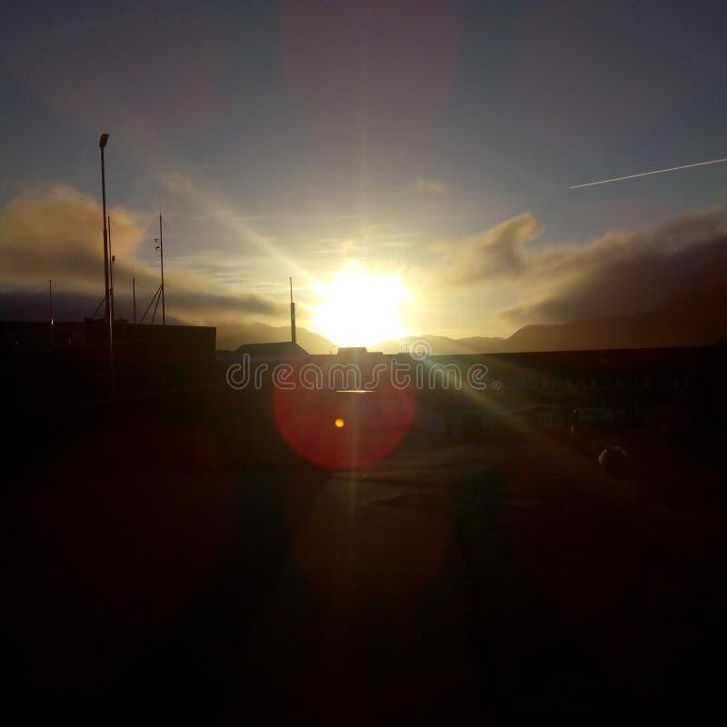 Puesta del sol de Qaqortoq Groenlandia imagen de archivo libre de regalías