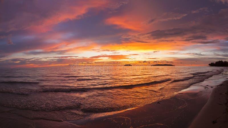 Puesta del sol de Sabah fotografía de archivo libre de regalías
