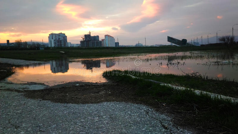 Puesta del sol de Sity foto de archivo libre de regalías