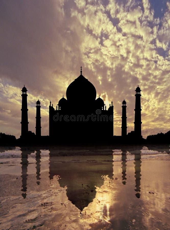 Puesta del sol de Taj Mahal libre illustration