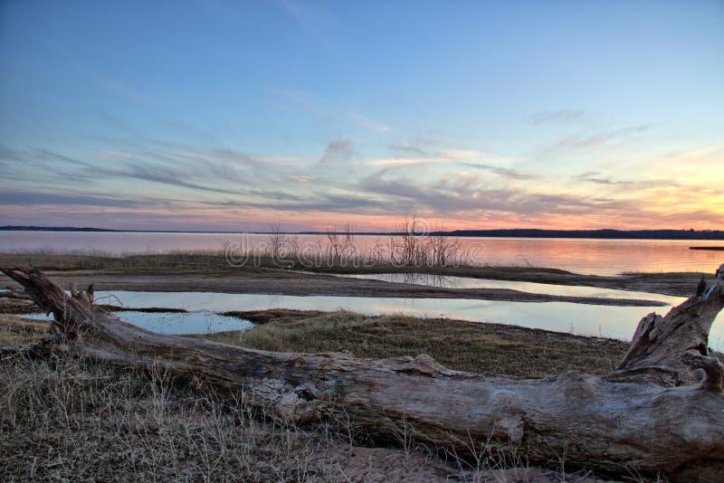 Puesta del sol de Texoma del lago fotografía de archivo
