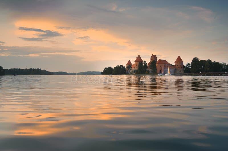 Puesta del sol de Trakai foto de archivo libre de regalías