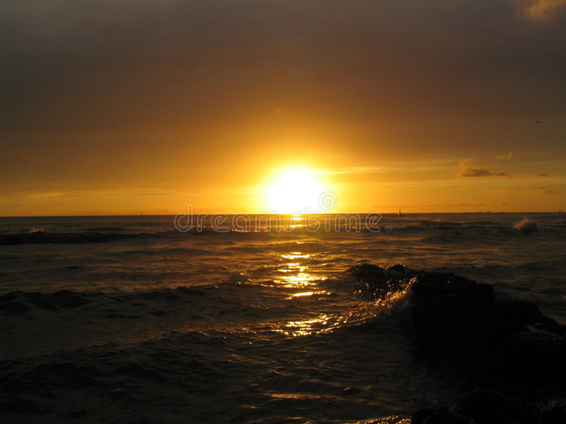 Puesta del sol de Waikiki fotos de archivo libres de regalías