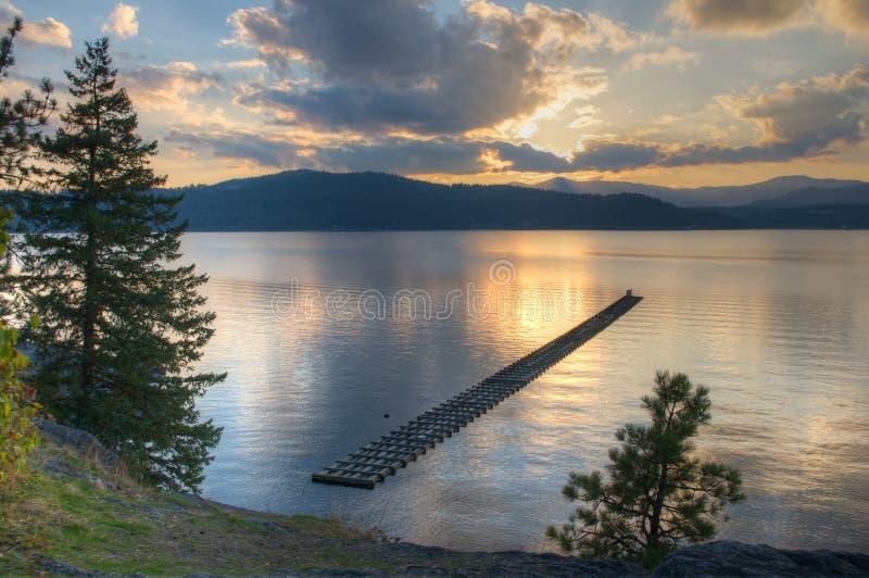Puesta del sol del d'Alene de Coeur del lago imagen de archivo