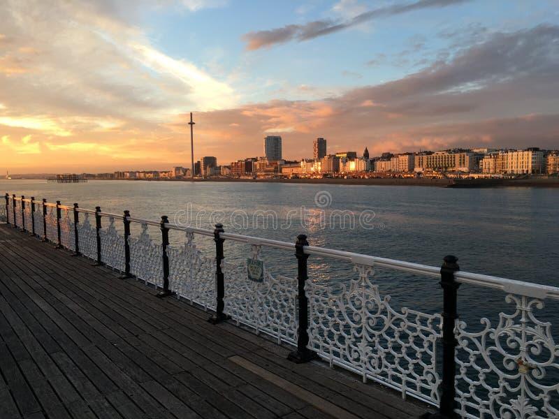 Puesta del sol del embarcadero de Brighton fotos de archivo libres de regalías