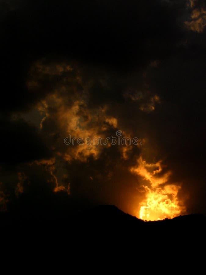 Puesta del sol del fuego @ fotografía de archivo libre de regalías
