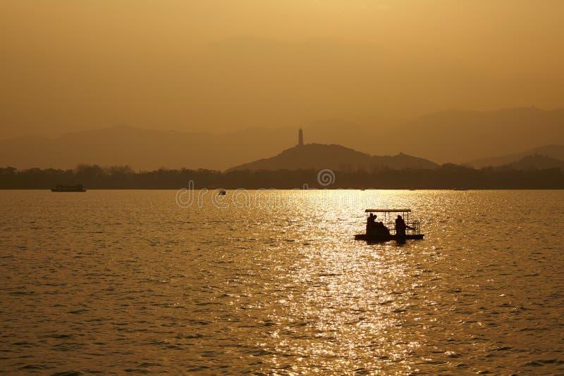 Puesta del sol del lago kunming foto de archivo libre de regalías