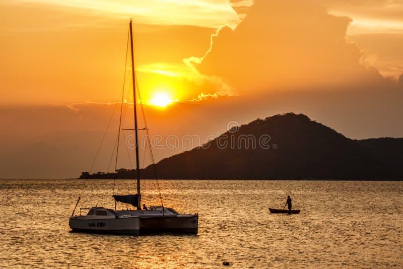 Puesta del sol del lago Malawi foto de archivo libre de regalías