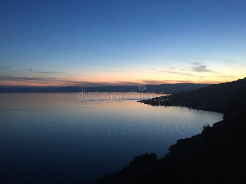 Puesta del sol del lago night imágenes de archivo libres de regalías