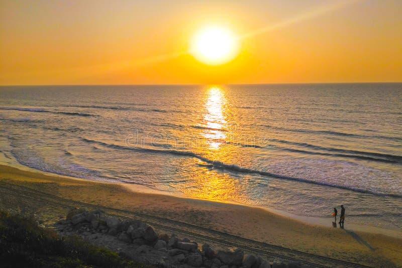 Puesta del sol del mar Mediterráneo imagen de archivo libre de regalías