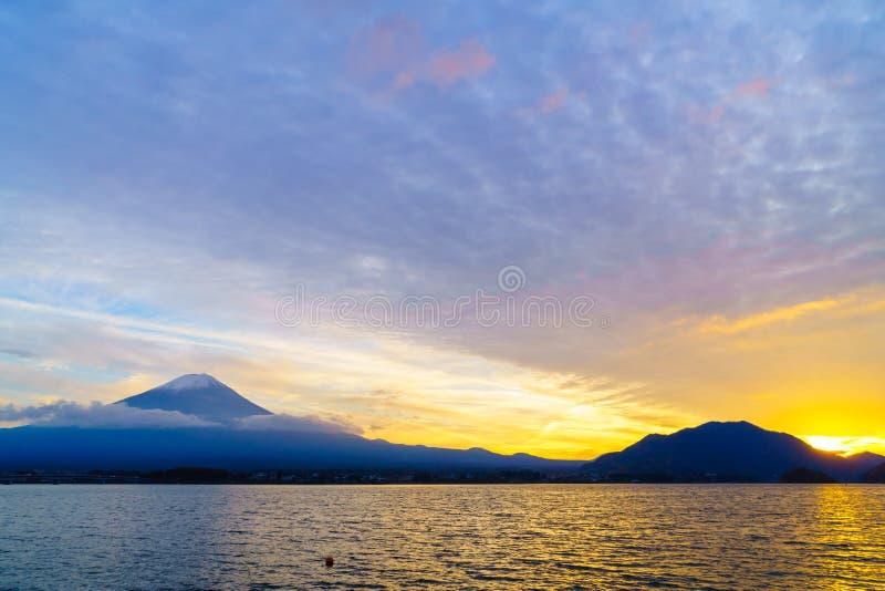 Puesta del sol del monte Fuji, Japón foto de archivo libre de regalías