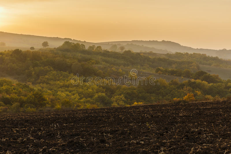 Puesta del sol del otoño en el paso de Agsu azerbaijan imágenes de archivo libres de regalías