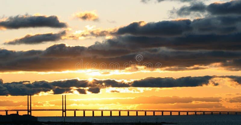 Puesta del sol del puente de Oresund imágenes de archivo libres de regalías