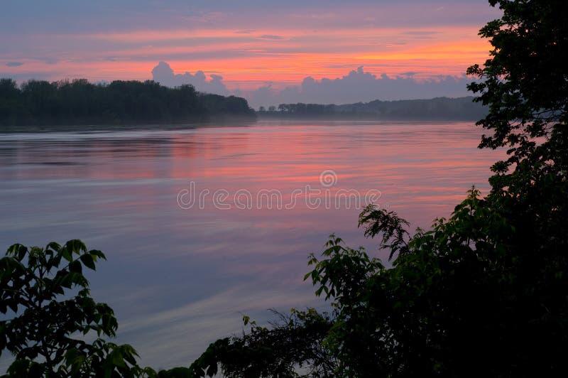 Puesta del sol del río Missouri fotos de archivo