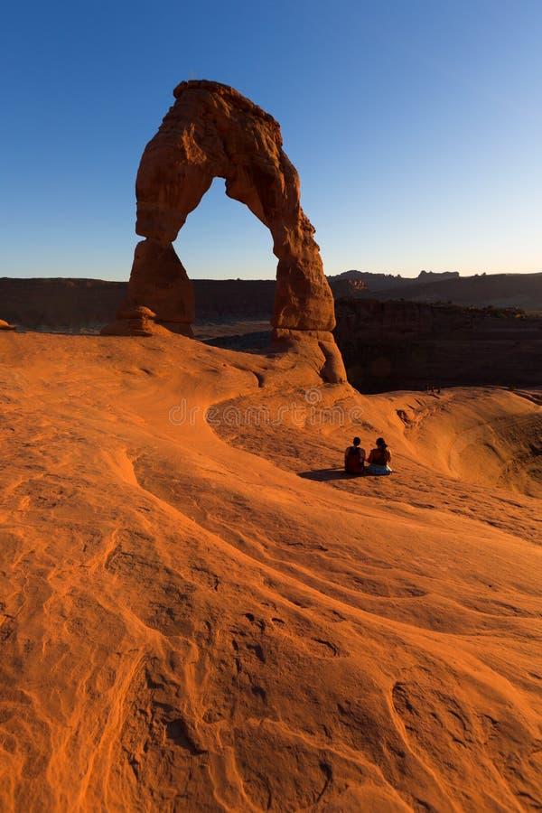 Puesta del sol delicada del arco en parque nacional de los arcos fotografía de archivo libre de regalías