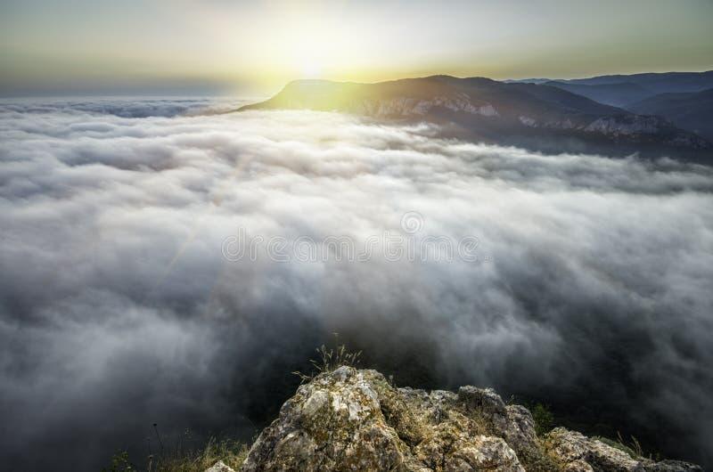 Download Puesta Del Sol Desde Arriba De La Montaña Foto de archivo - Imagen de mañana, carolina: 44856124