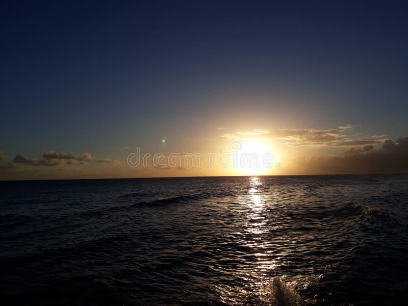 Puesta del sol dulce fotografía de archivo libre de regalías