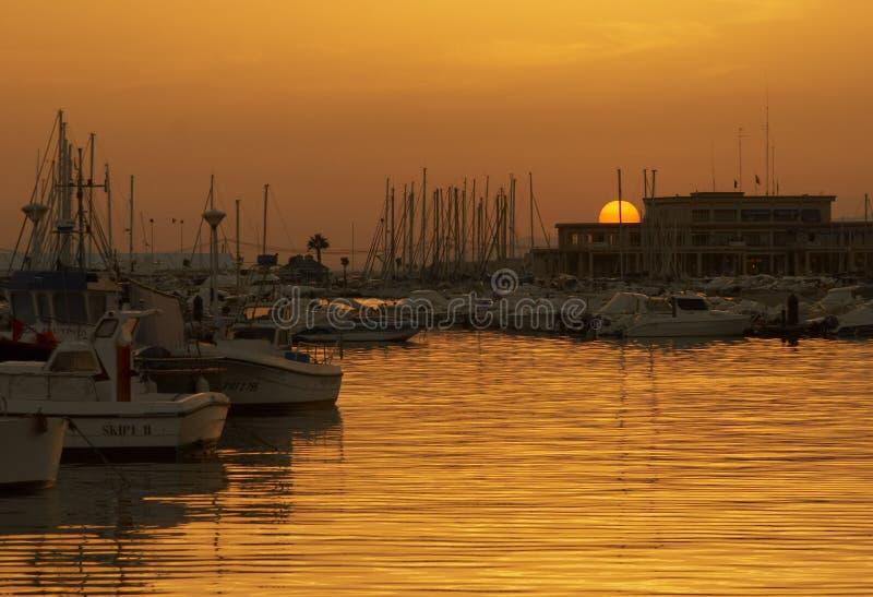 Download Puesta del sol en acceso imagen de archivo. Imagen de recurso - 1284053